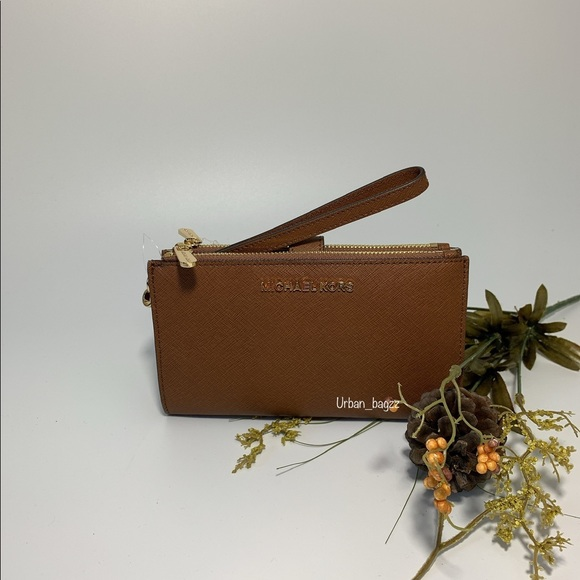 Michael Kors Handbags - Michael Kors JST Large Double Zip Wristlet Wallet
